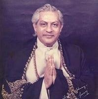 Gururaj-Small-Namaste-Photo-For-Round-Window